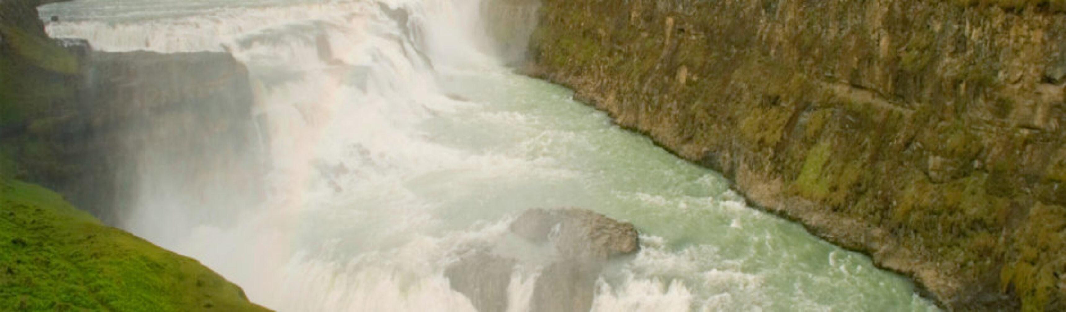 Day-016_01-Eric-Scott-I-Hear-Waterfalls